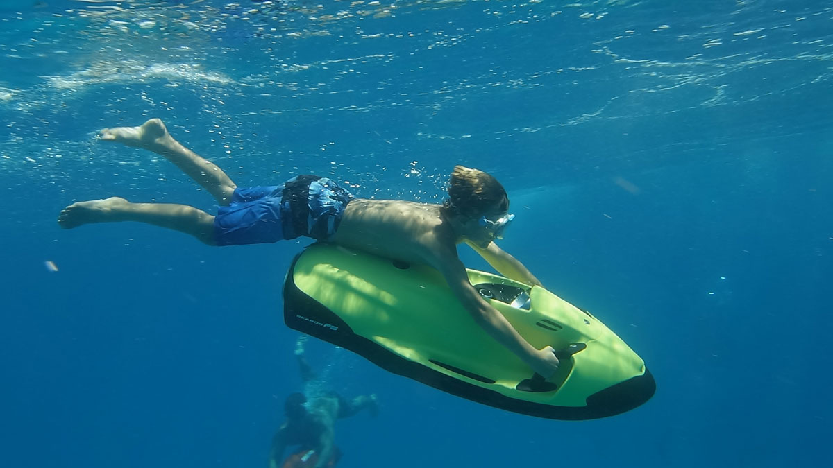 Seabob and submarine scooter tour in Hawaii